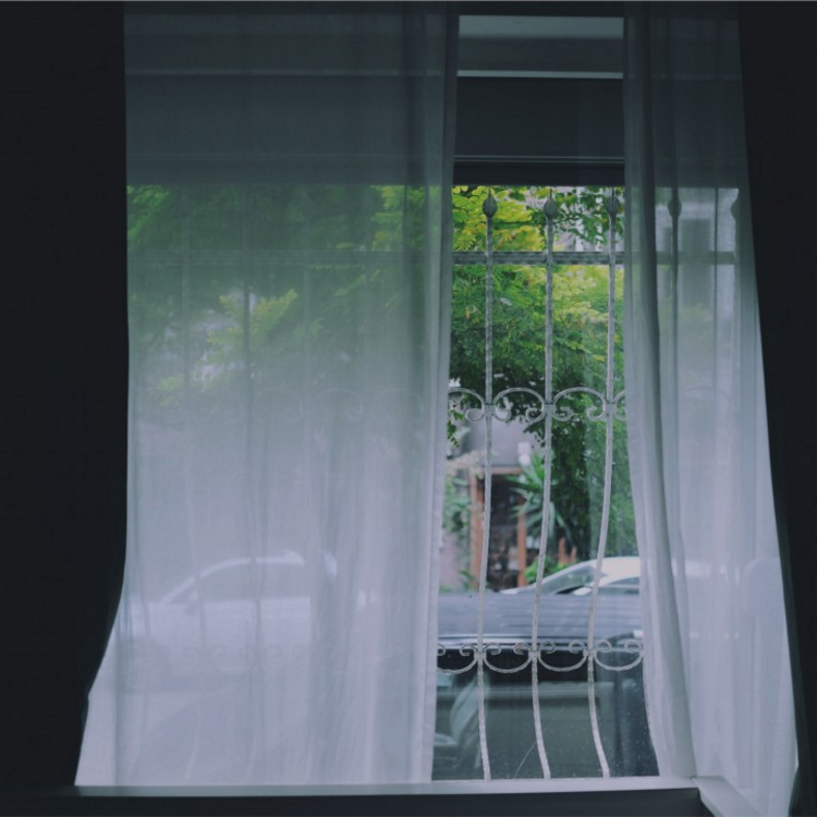 curtains light